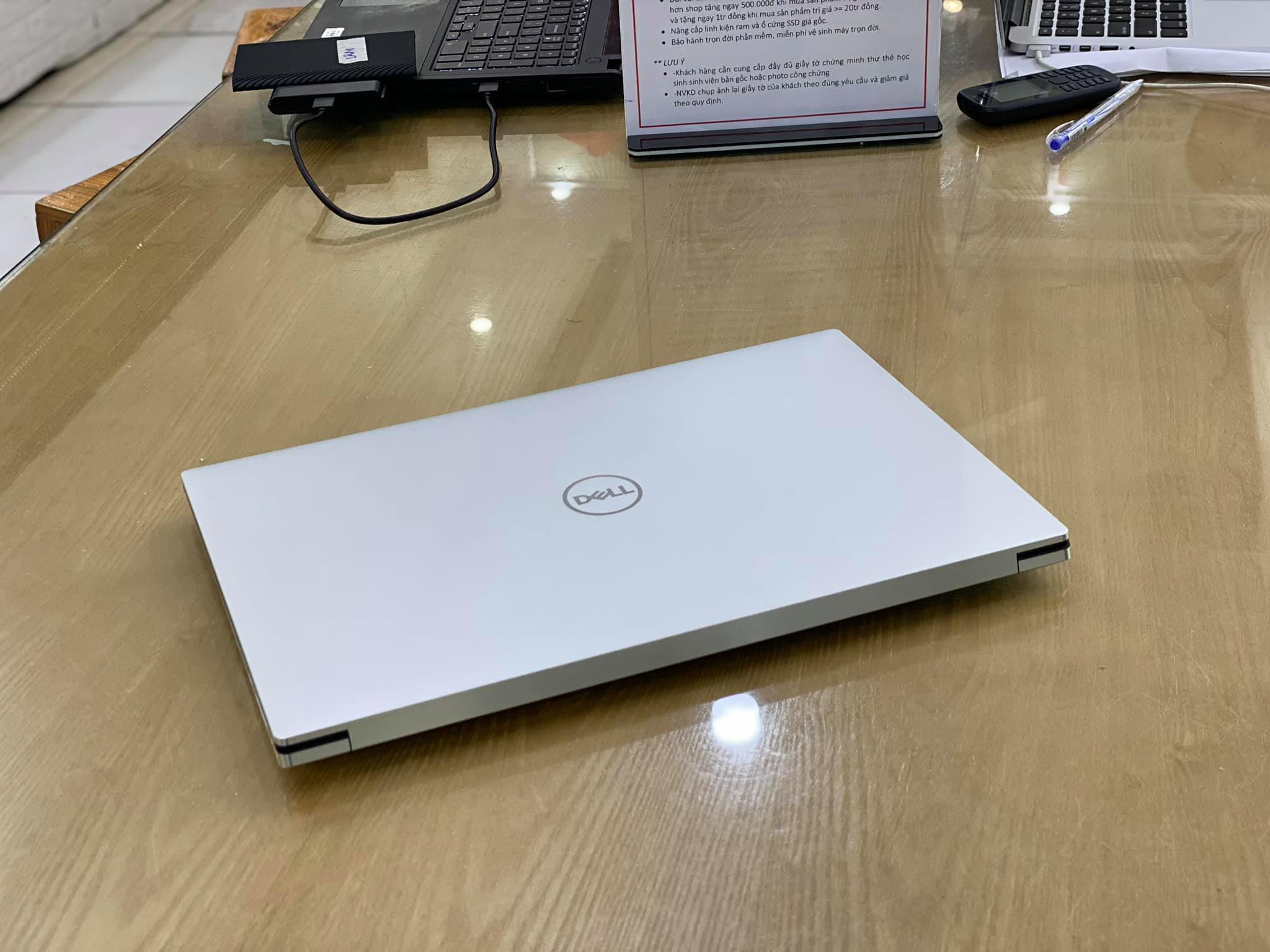 Laptop Dell XPS 15 9500 -1.jpg