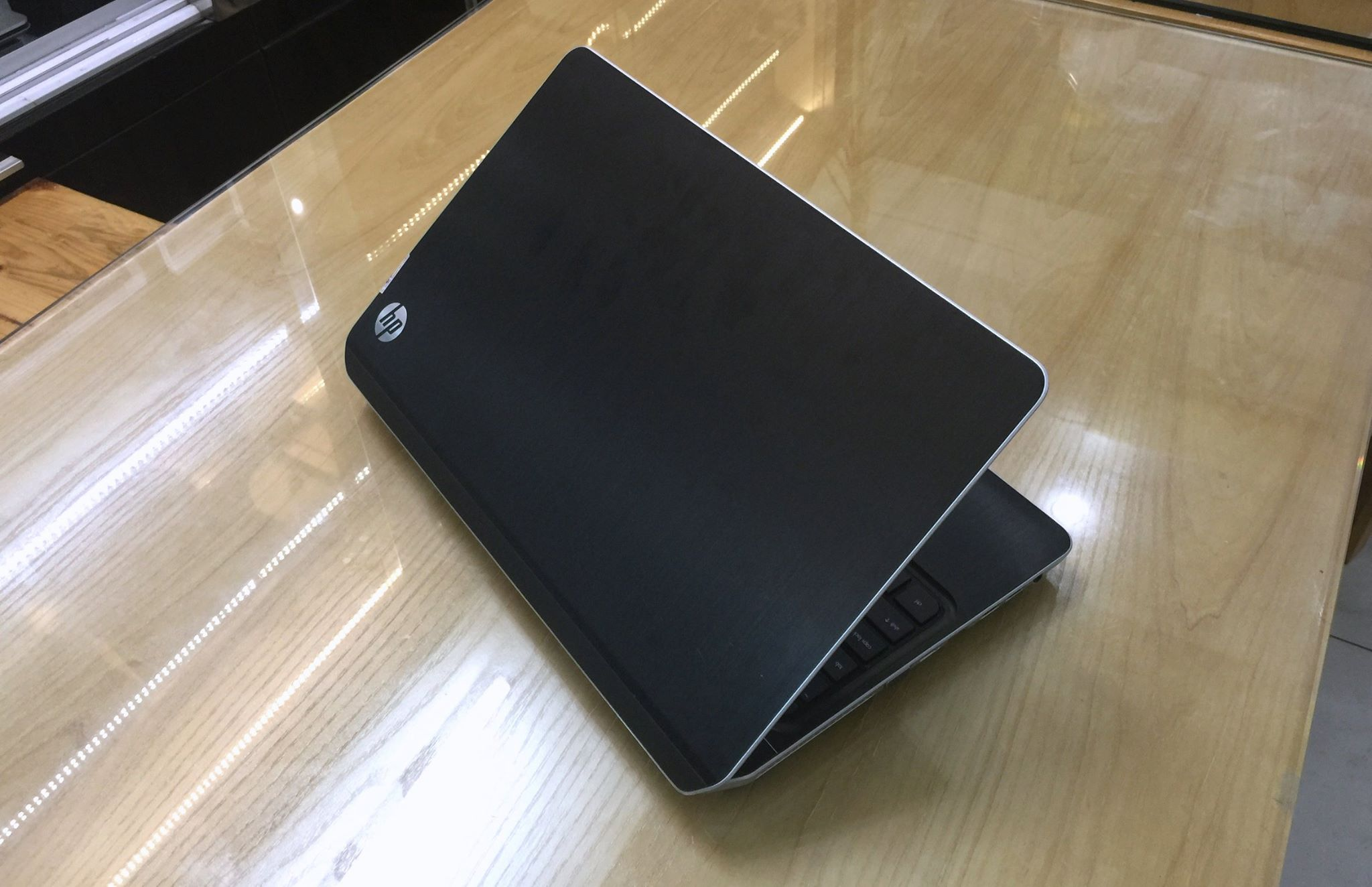 Laptop HP Envy M6-8.jpg