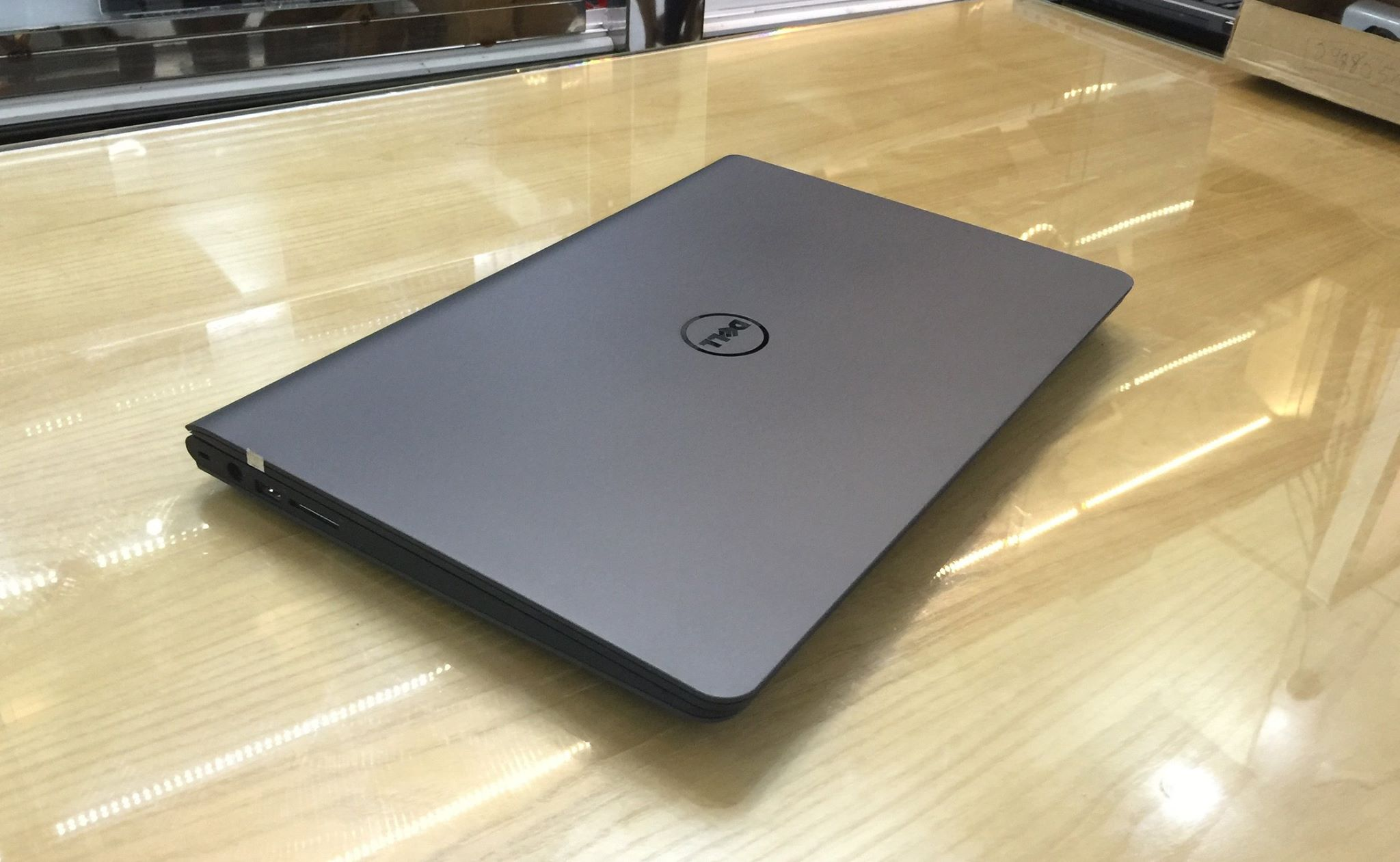 Laptop Latitude 3550-4.jpg
