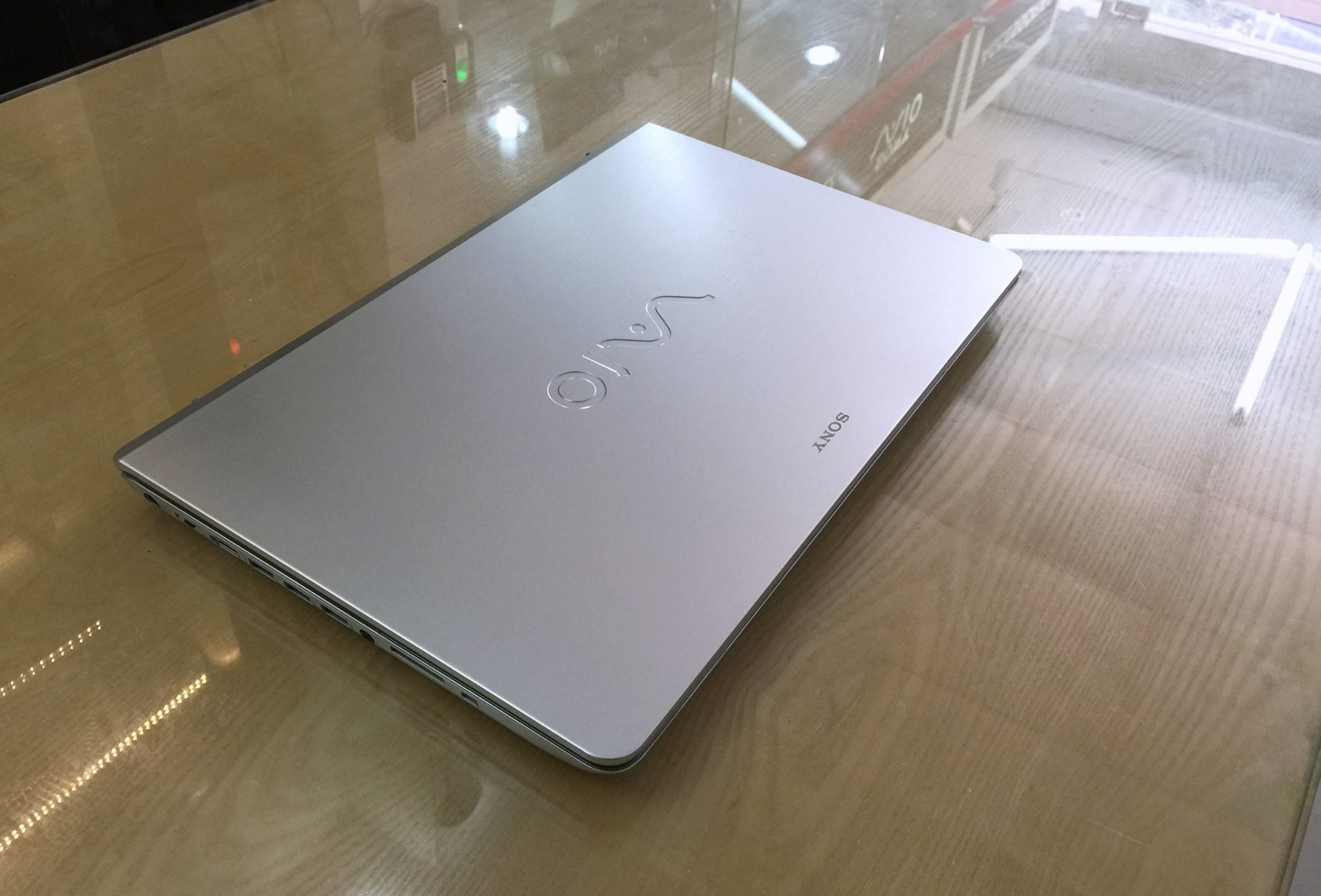 Laptop Sony Vaio Fix SVF15A1C5E_3.jpg