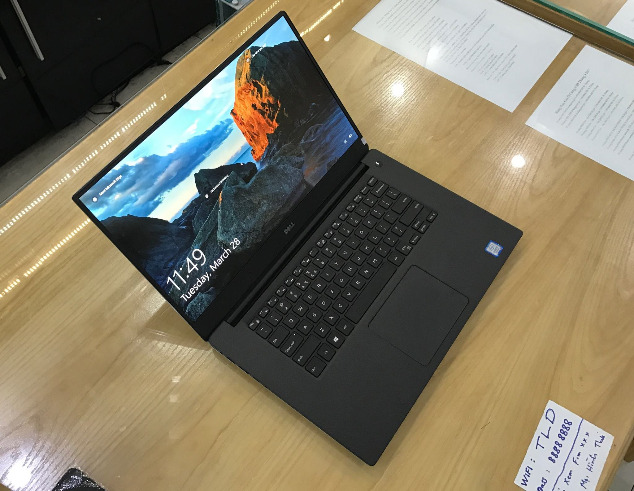 Laptop Dell XPS 9560 2017-9.jpg