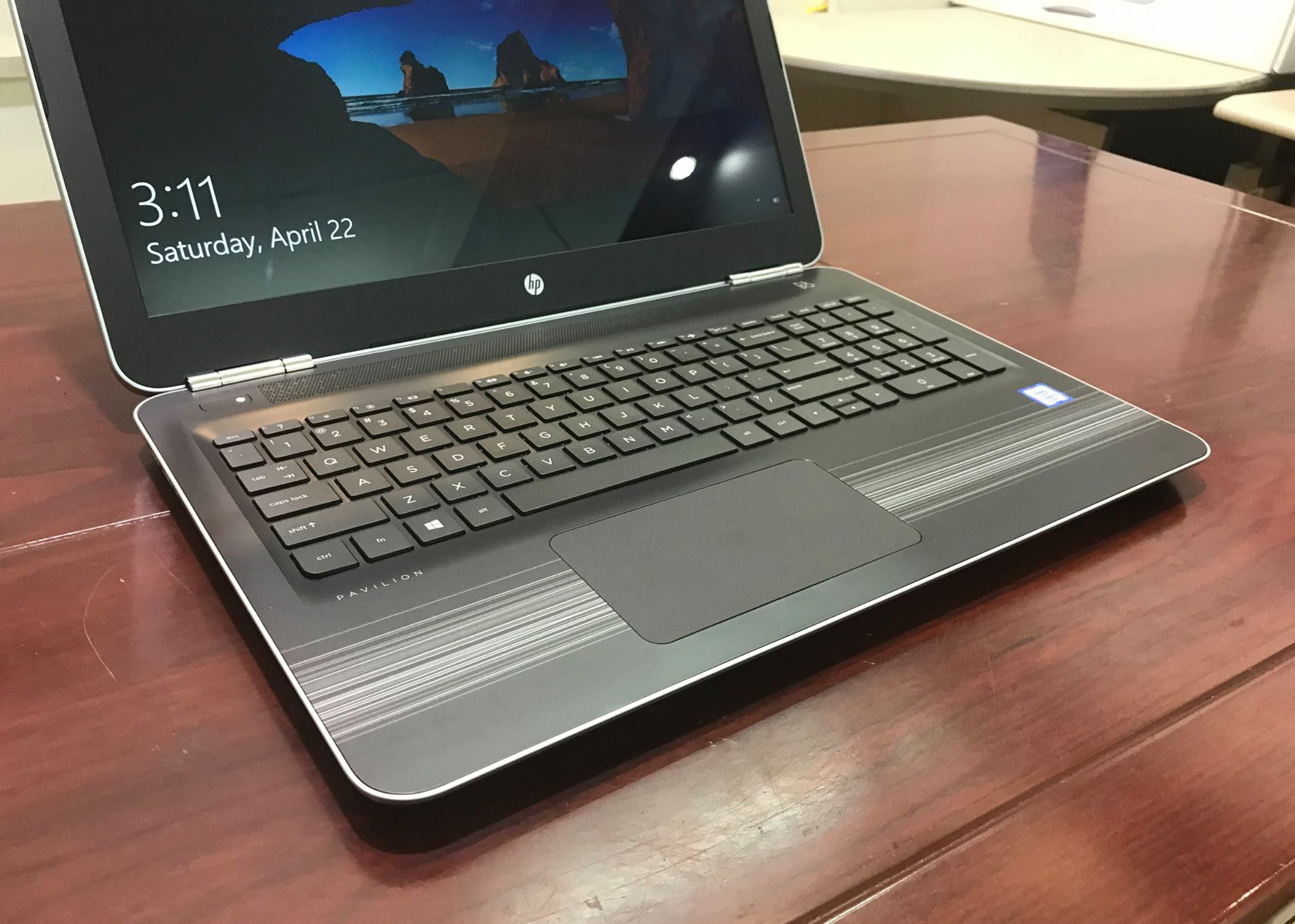 Laptop HP Pavilion 15-AU027-6.jpg