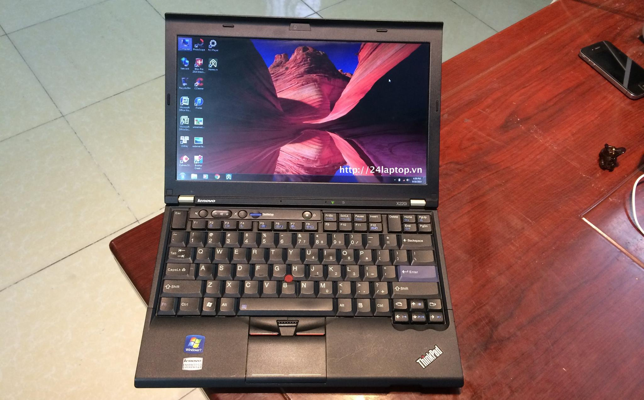 Lenovo Thinkpad X220.jpg