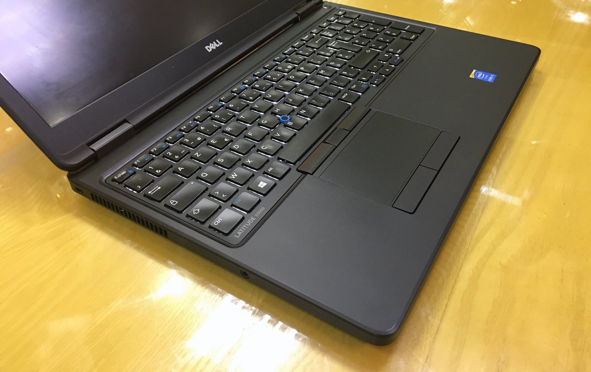 Laptop Dell Laititude E5550-2.jpg