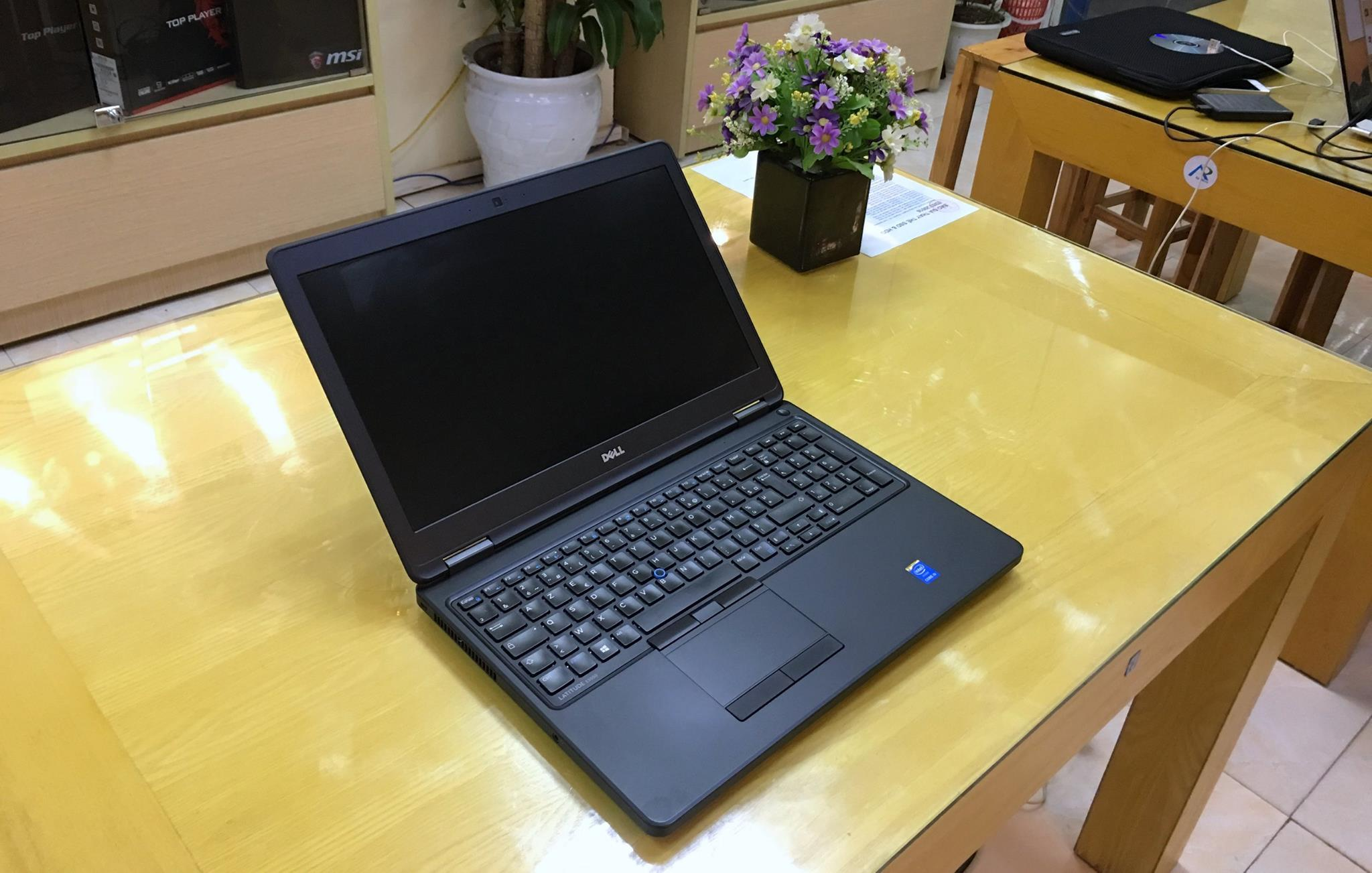 Laptop Dell Laititude E5550.jpg