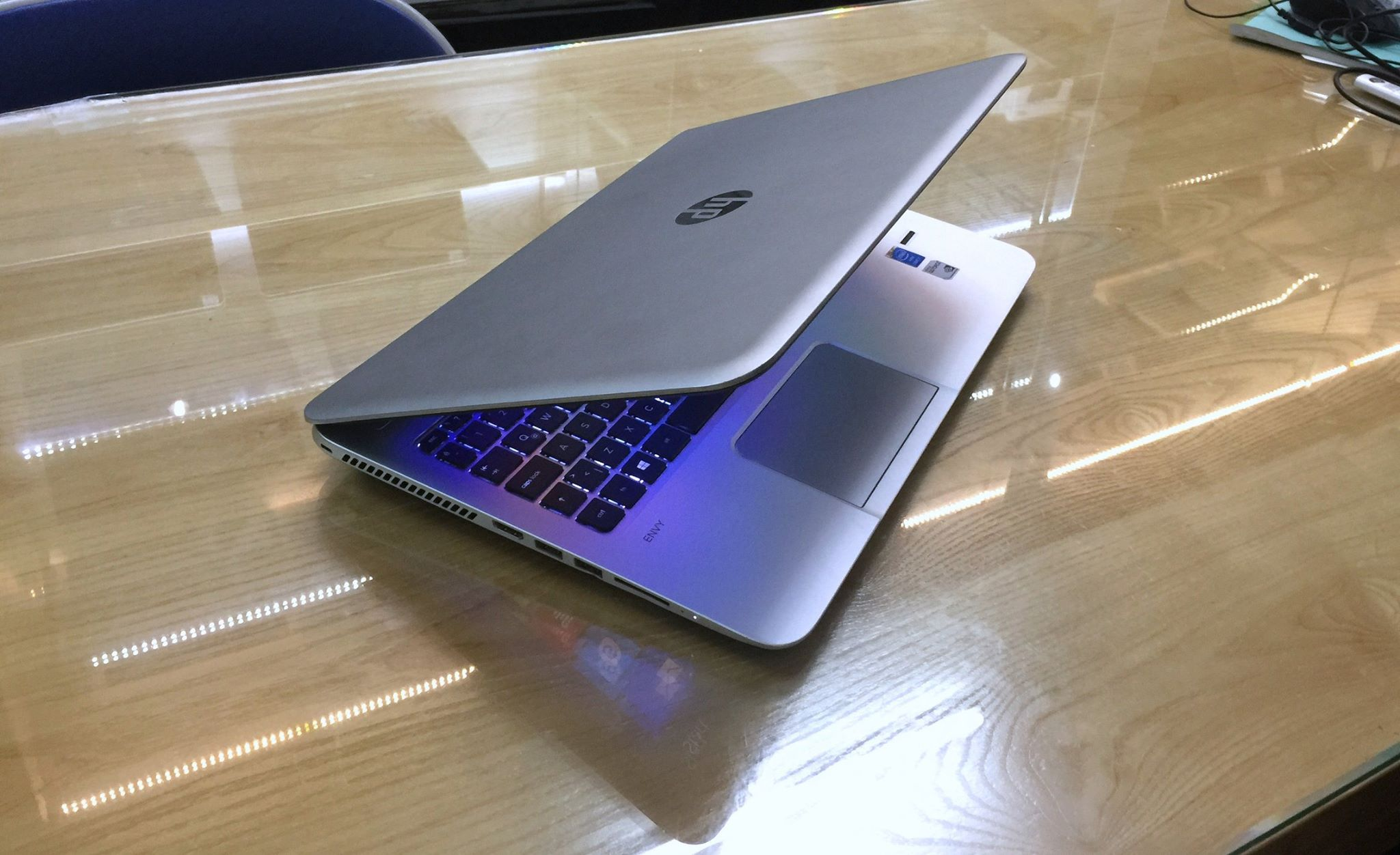 Laptop HP Envy 15-1.jpg