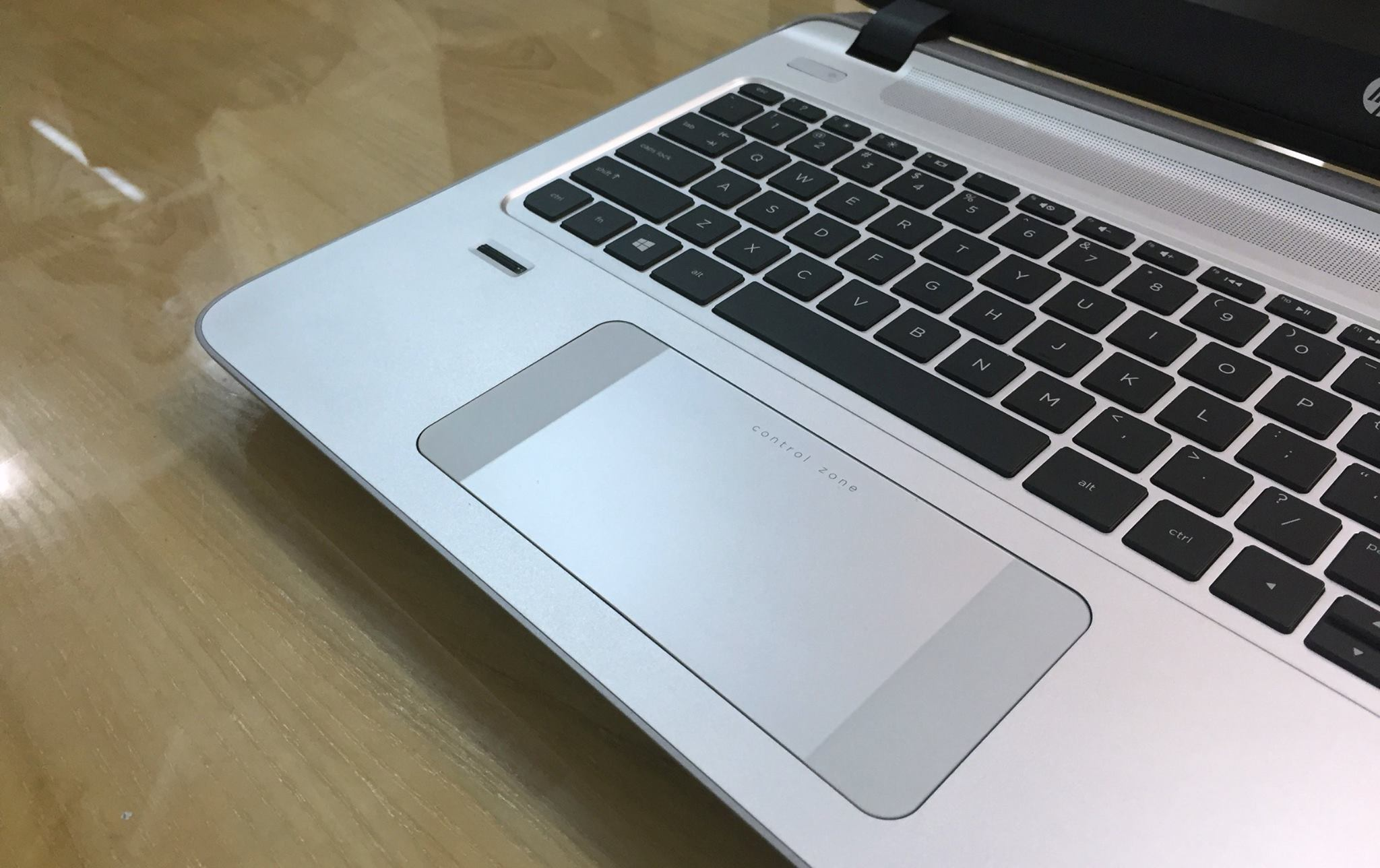 Laptop HP Envy15 K200 (K2T37AV)-5.jpg