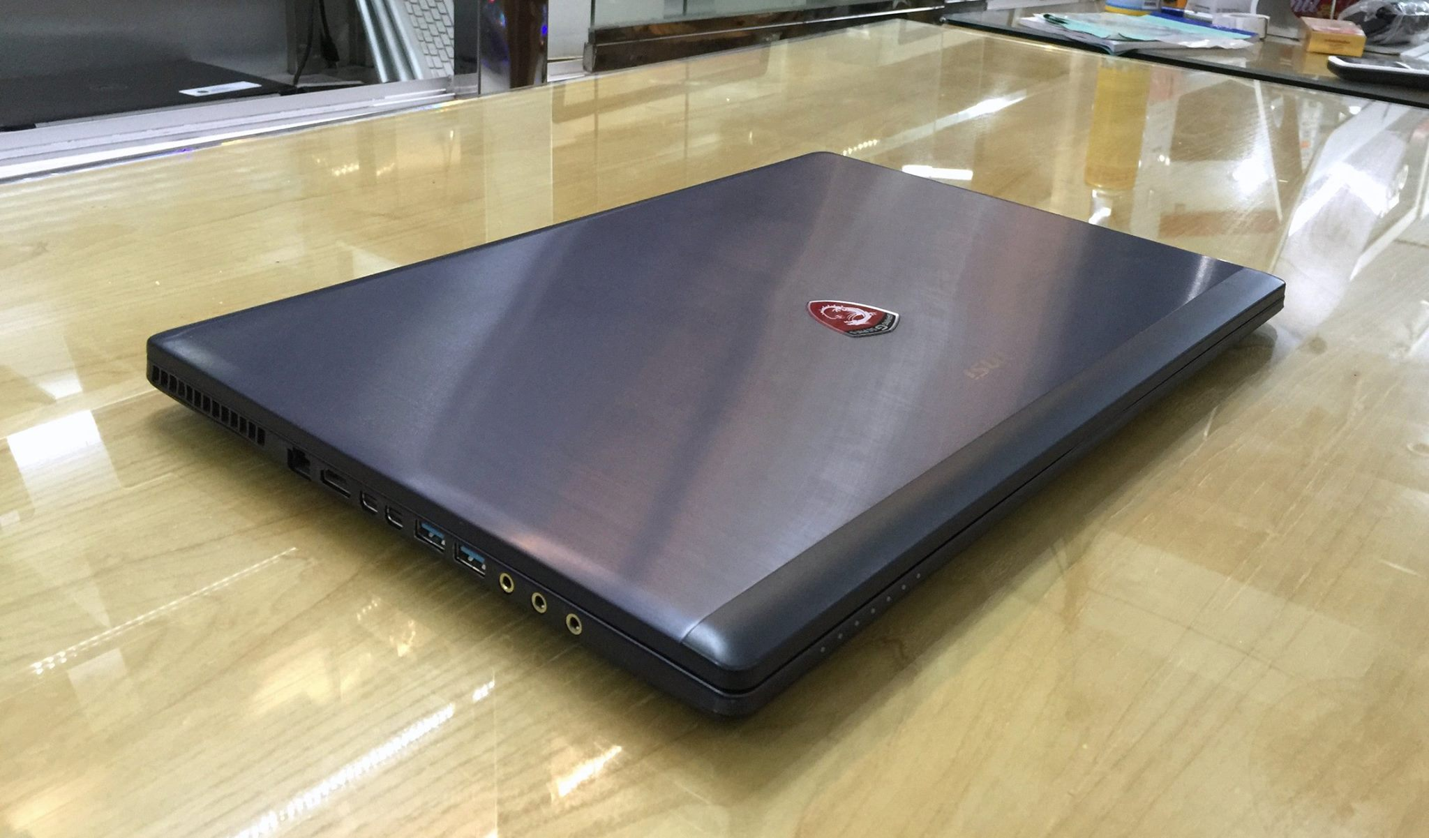 Laptop MSI GS70 2QE-5.jpg