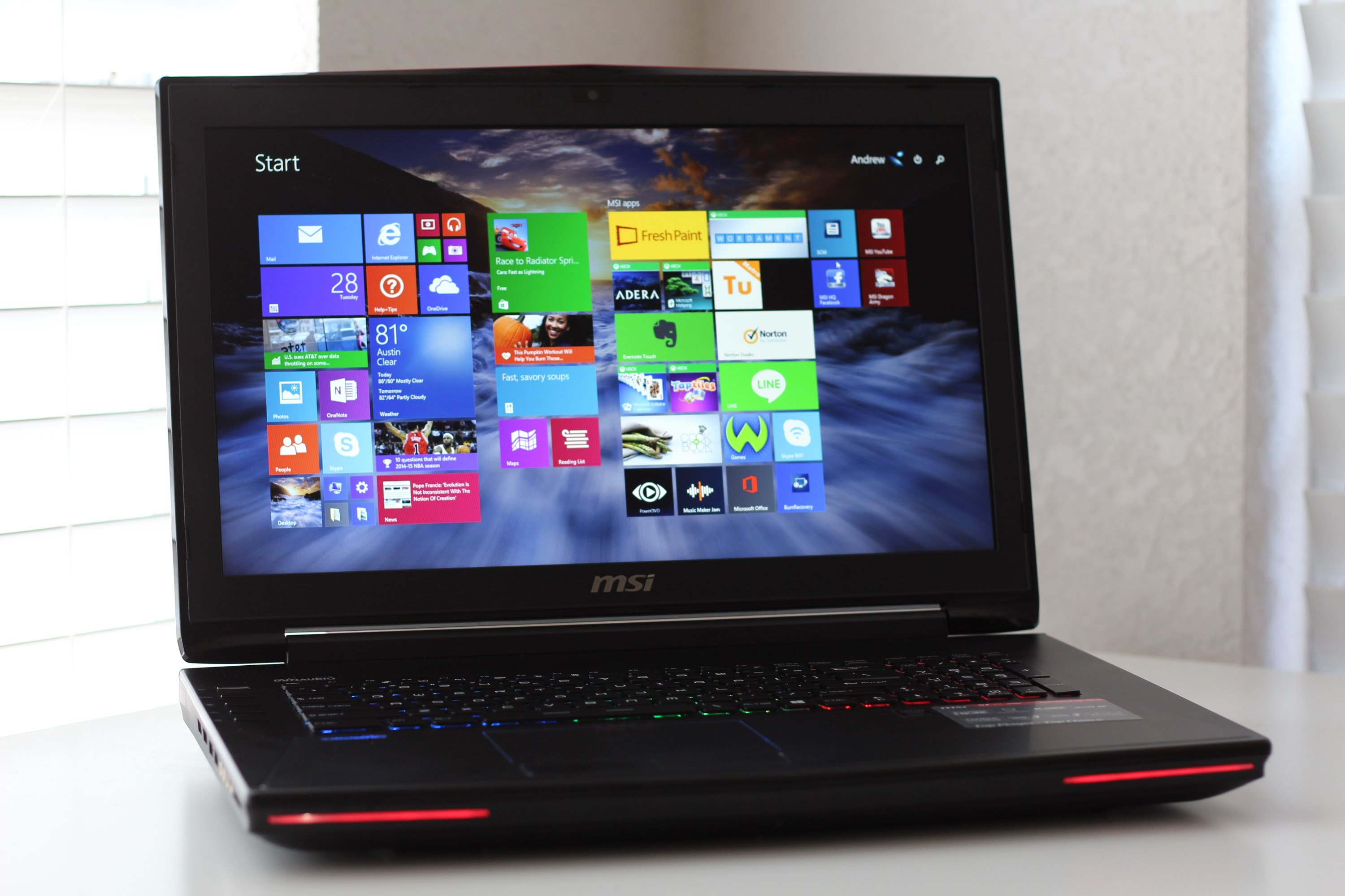 Laptop MSI GT72 2QD Dominator-5.jpg