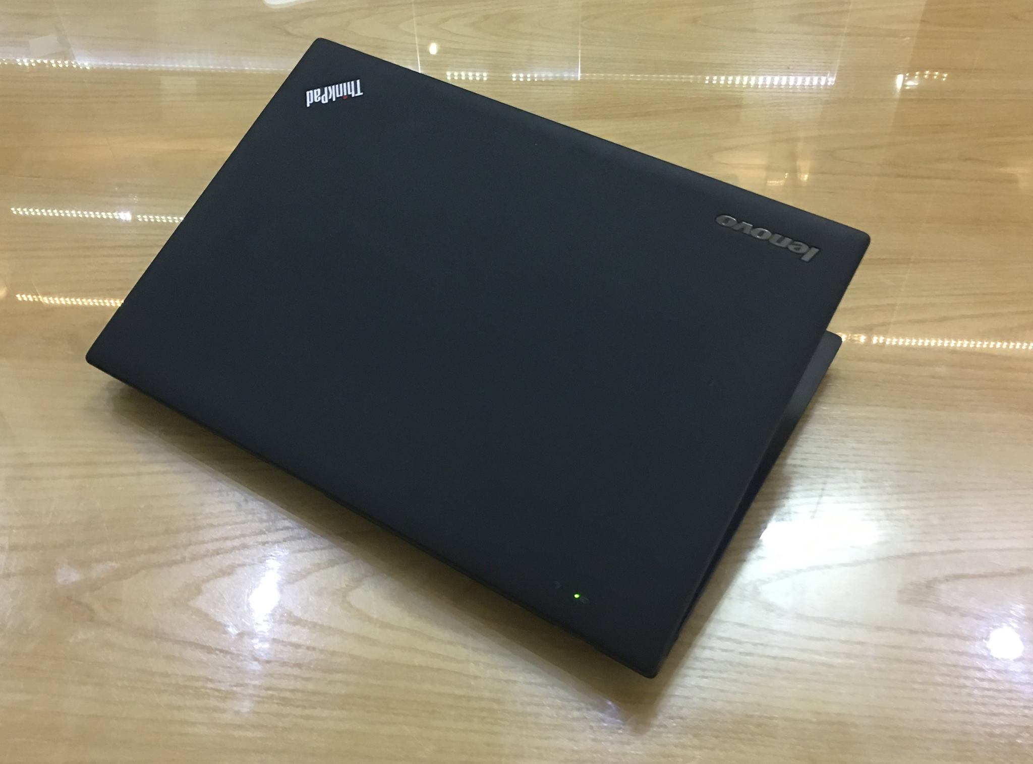 Lenovo ThinkPad X1 Carbon C3 i5.jpg