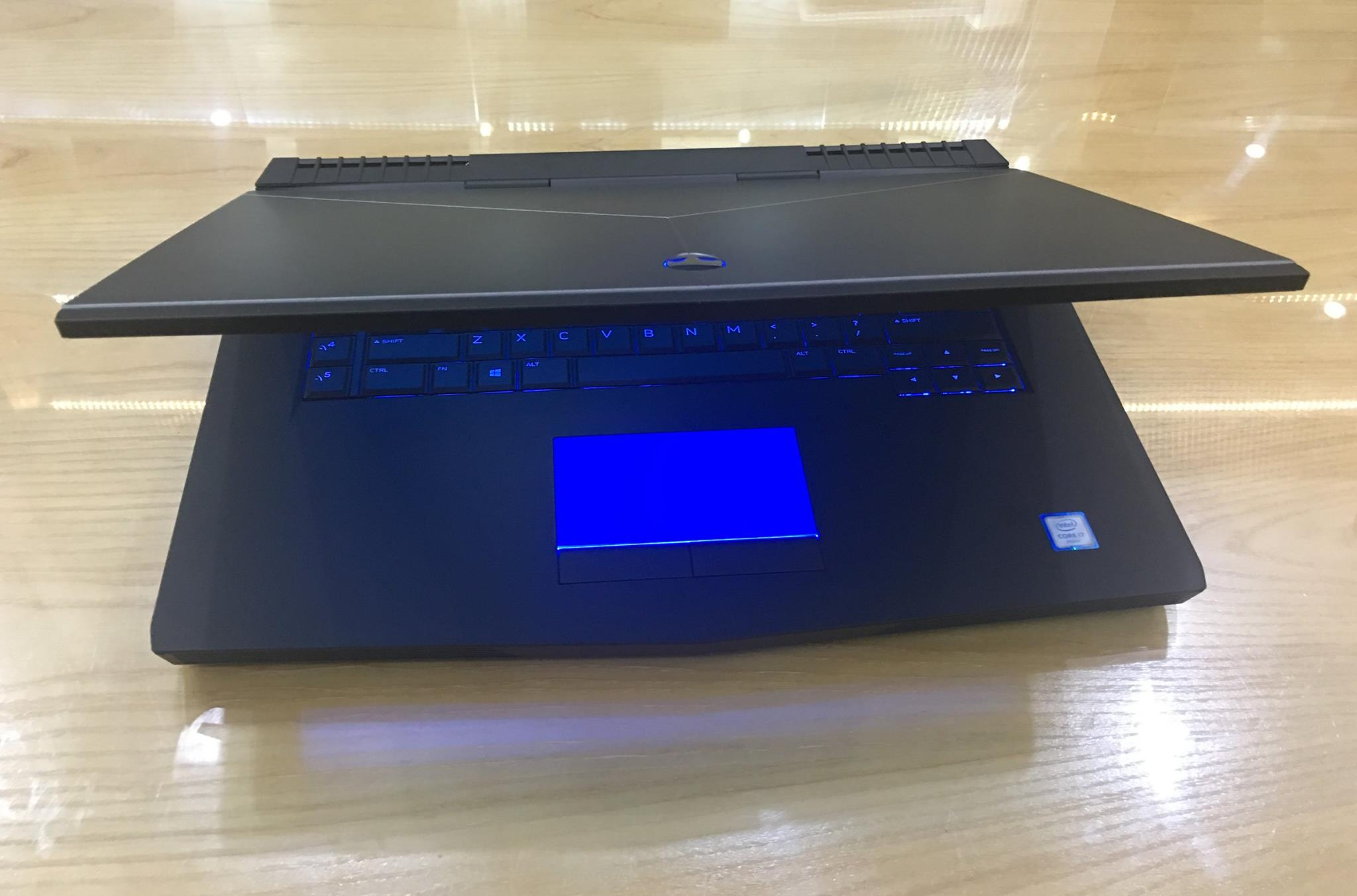 Laptop Dell ALIENWARE 15 R3 2017-9.jpg