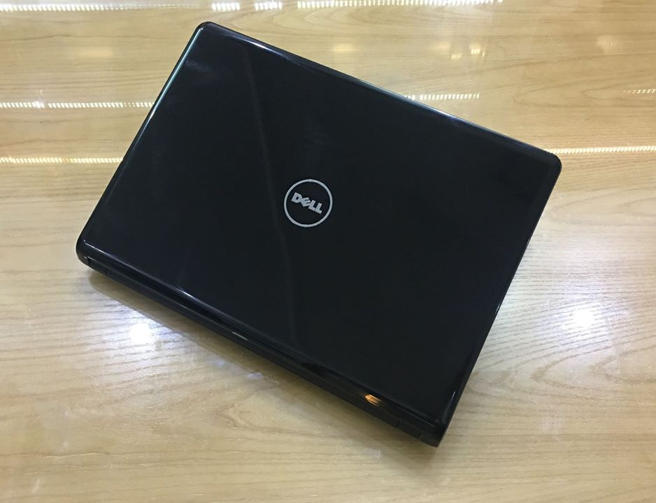 Laptop Dell Inspiron 1464.jpg