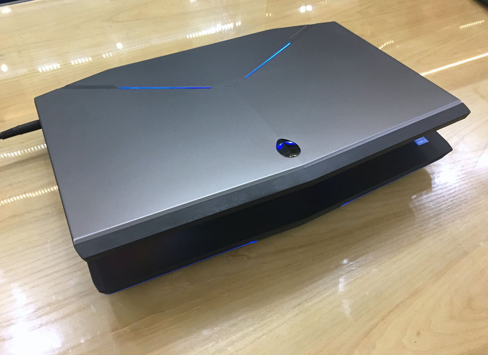 LAPTOP DELL ALIENWARE 17 R5 VGA GTX 880M 8GB-7.jpg
