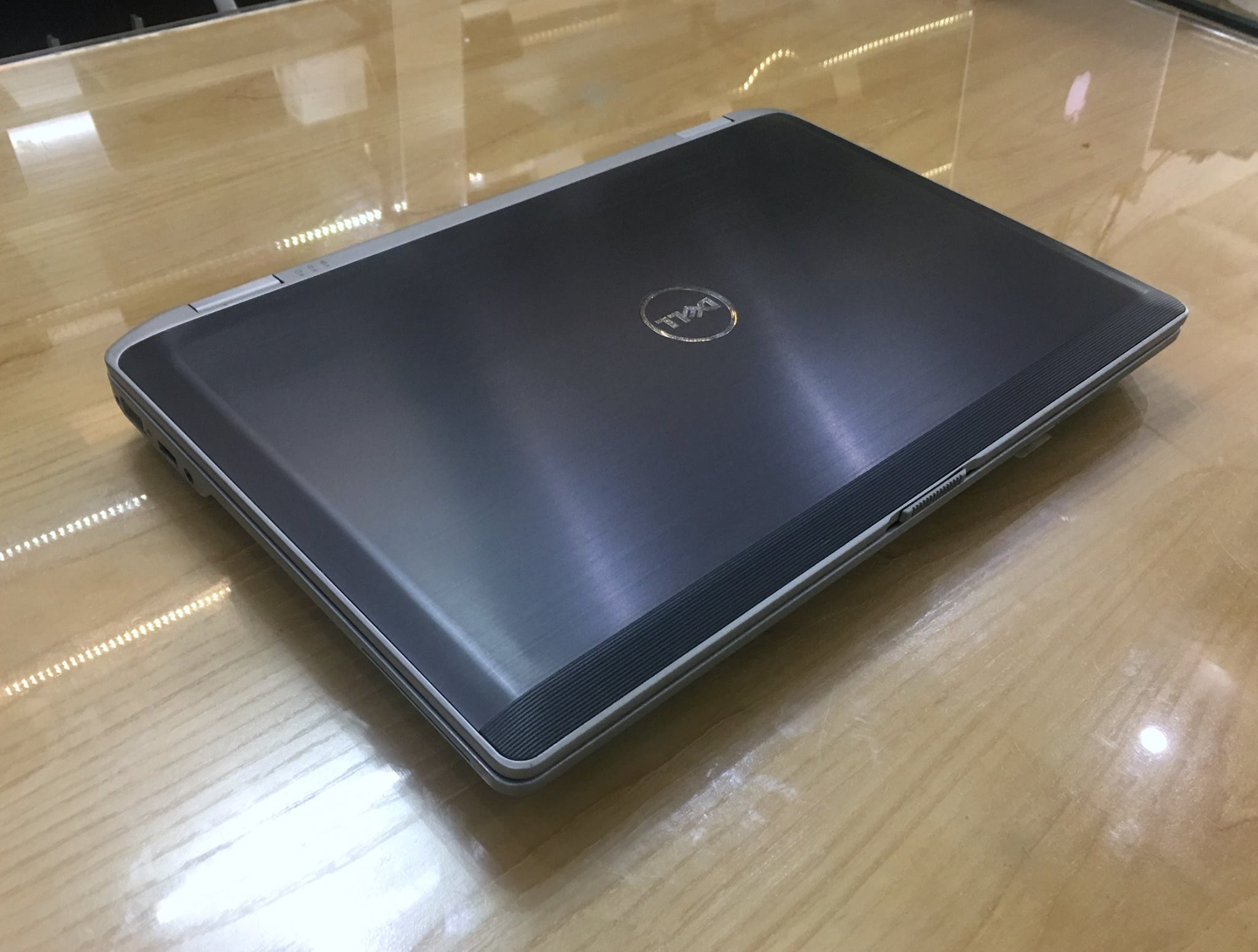 Laptop Dell Latitude E6530 i7-9.jpg