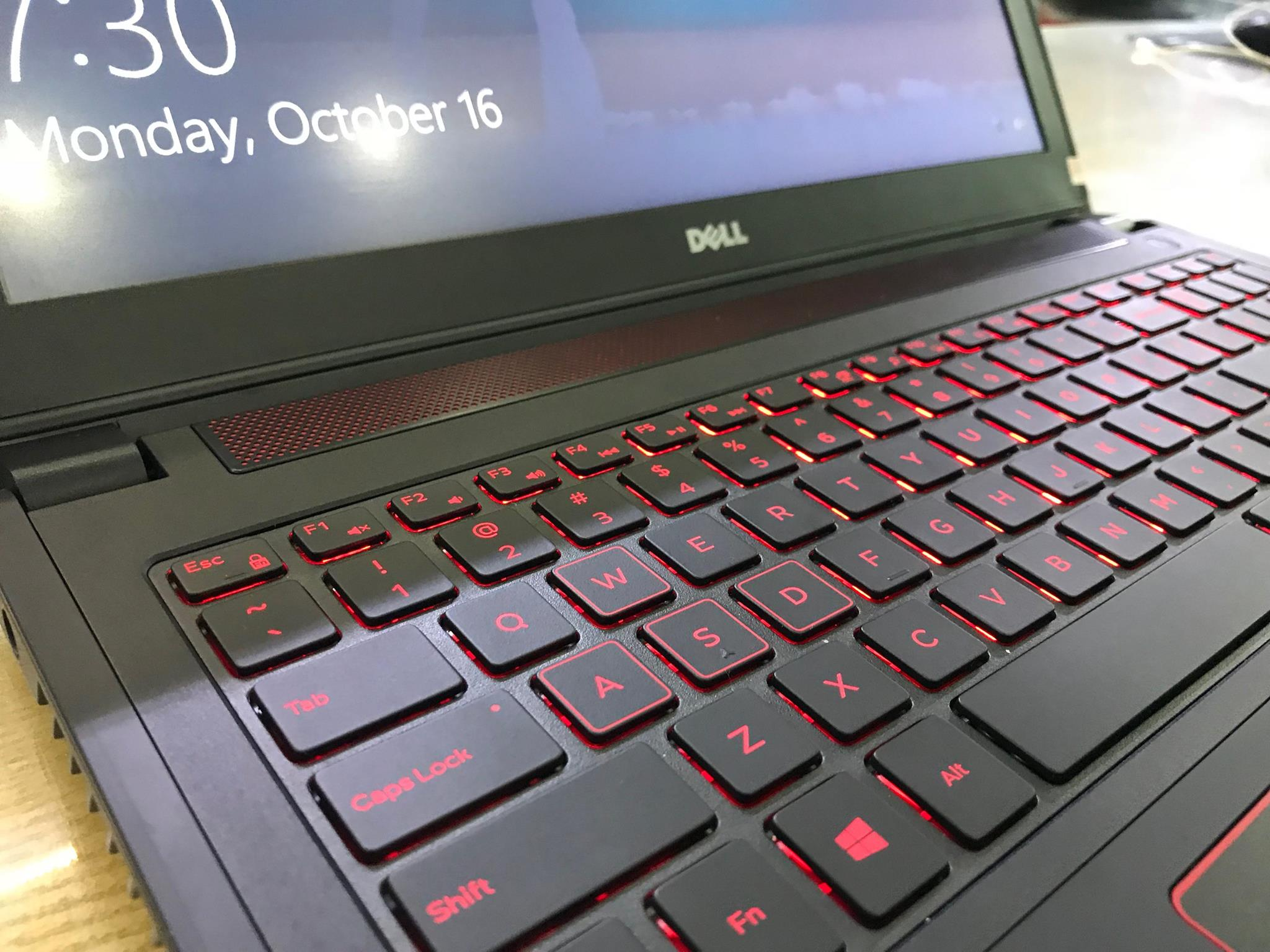 Laptop Gaming Dell 5577-2.jpg