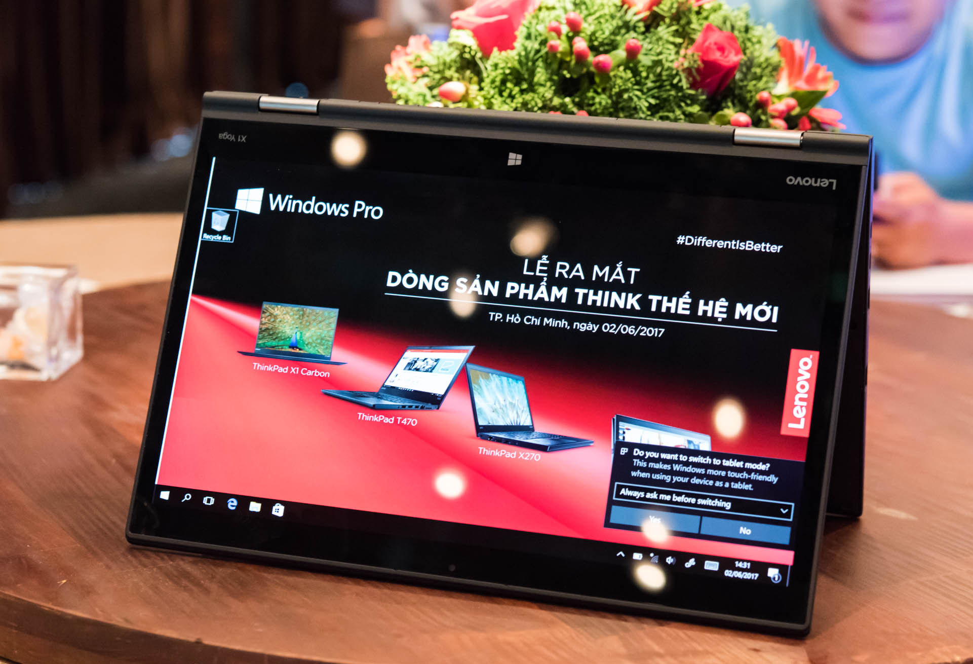 Lenovo ThinkPad X1 Yoga Gen 3-2.jpg