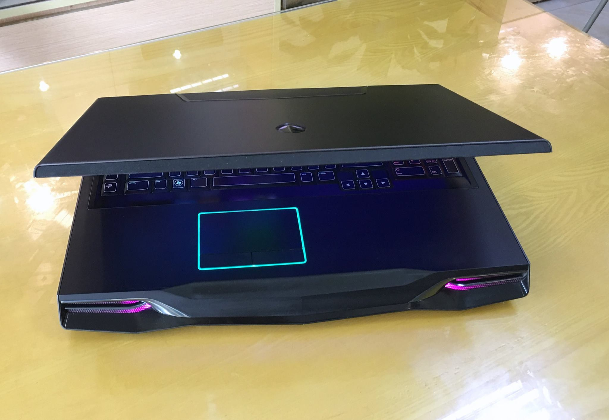 Laptop Dell Alienware M18X R1-6.jpg