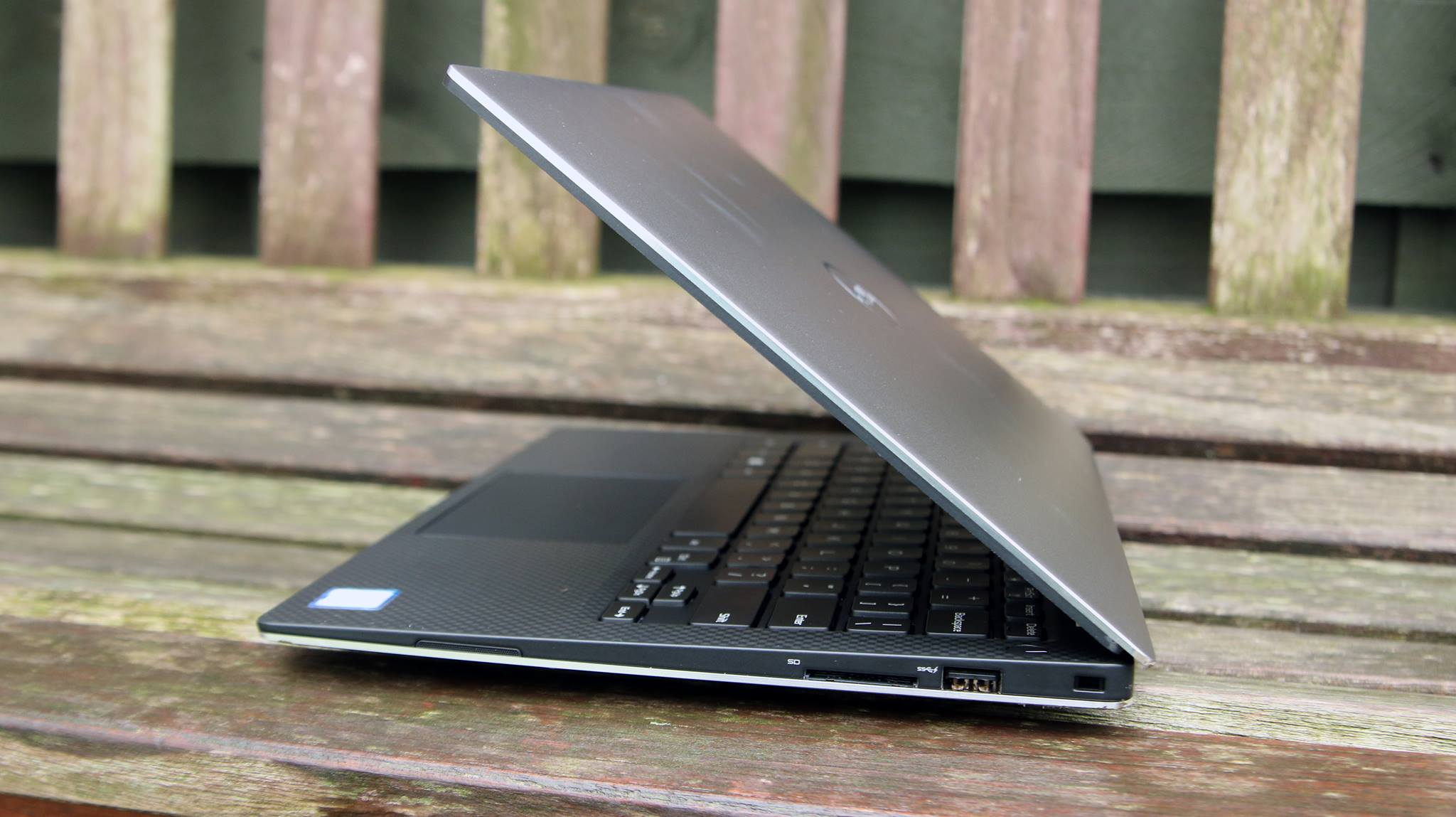 Laptop Dell Ultrabook XPS 9350 2016-9.jpg