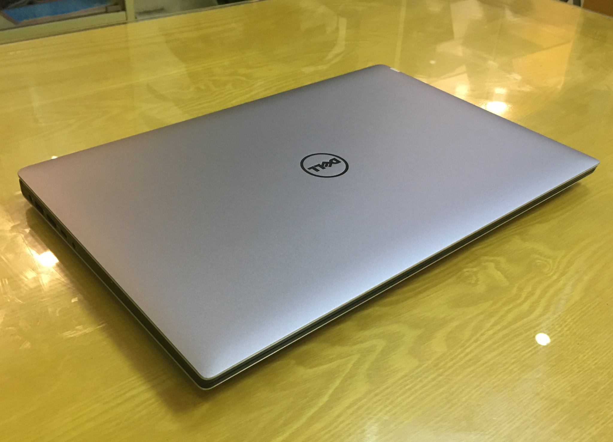 Laptop Dell XPS 15 9550 2016-5.jpg