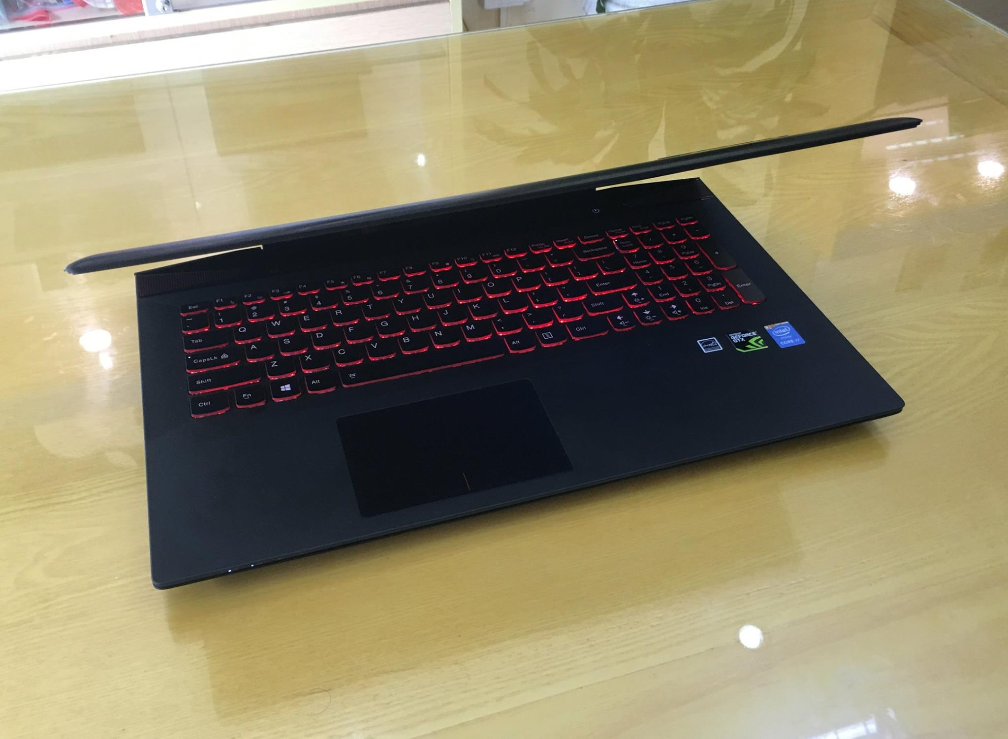 Laptop Lenovo Gaming Y5070-9.jpg