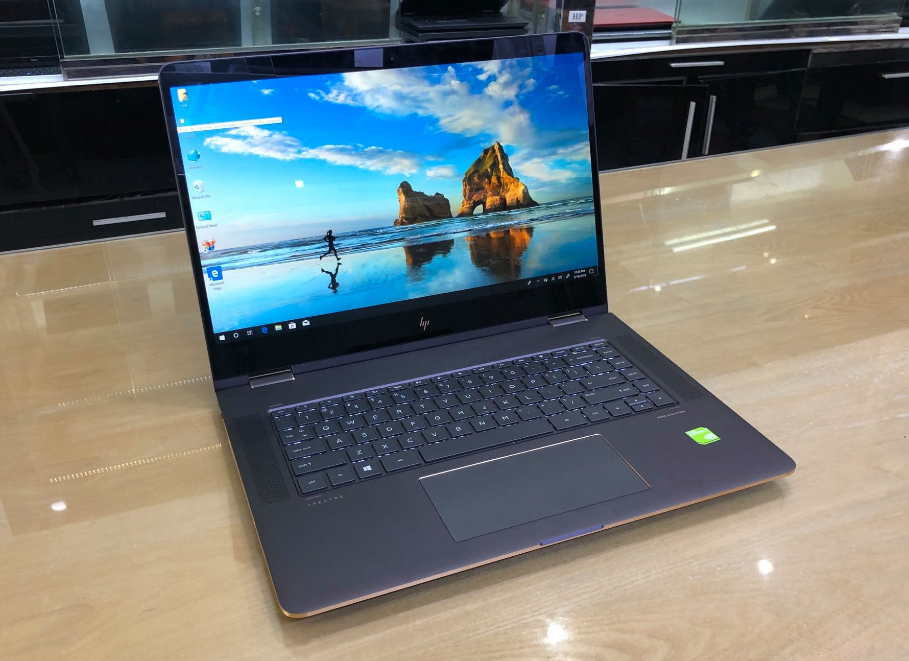 LAPTOP HP SPECTRE 15-BL0XX X360 CONVERTIBLE.jpg