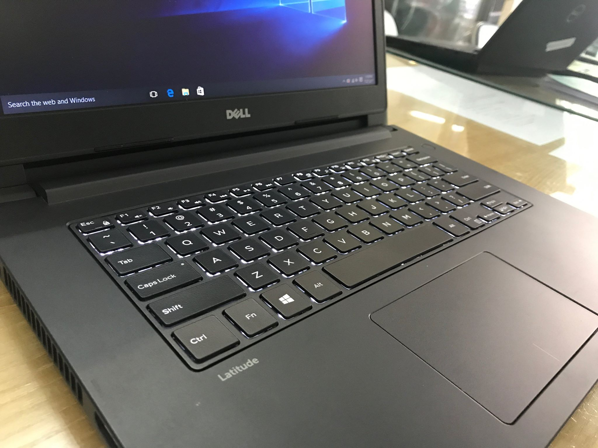 Laptop Dell Latitude 3470-4.jpg