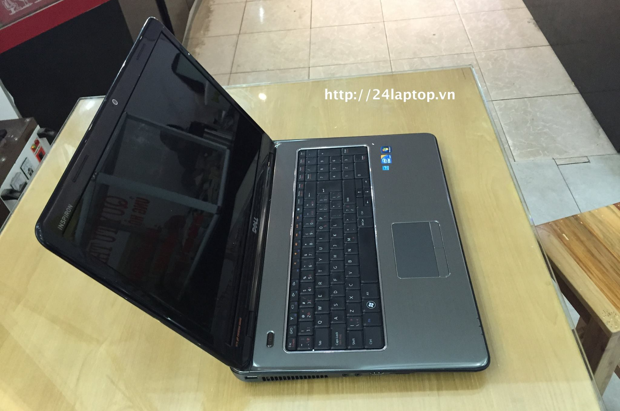 Laptop Dell Inspiron N7010_2.jpg