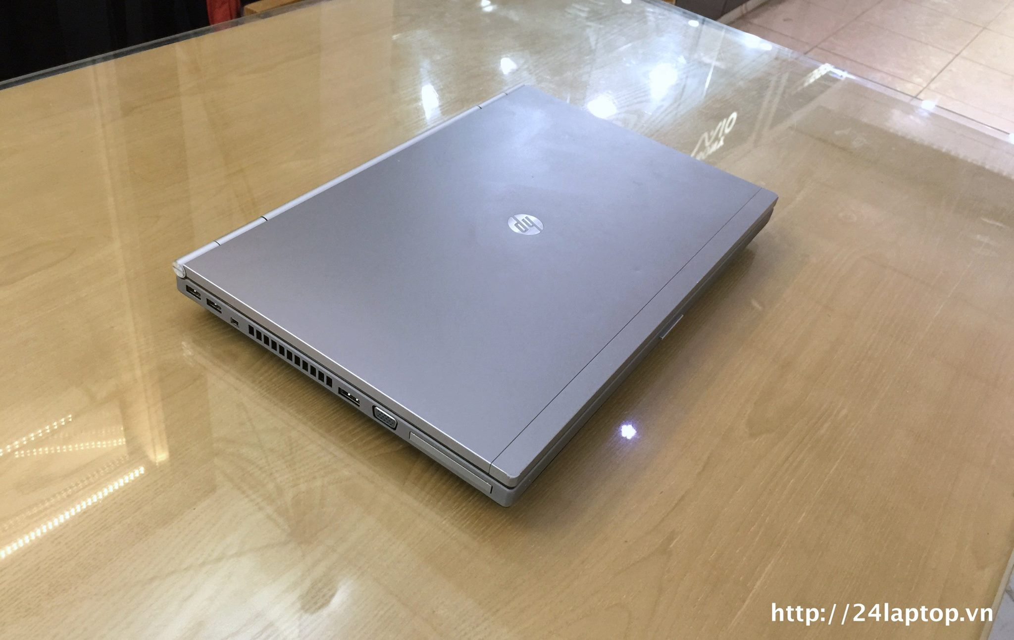 Laptop HP Elitbook 8570P_2.jpg