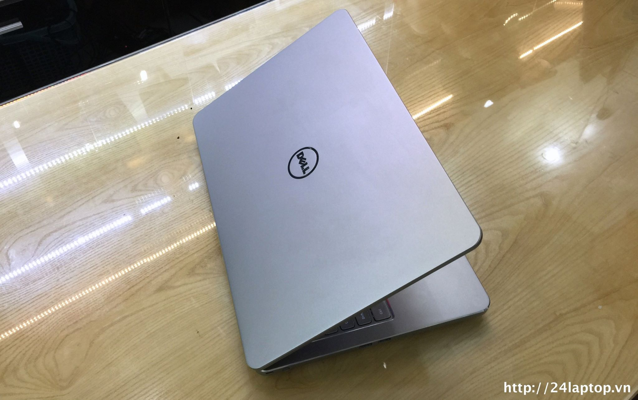 Laptop series 7000 Dell Inspiron 7537_1.jpg