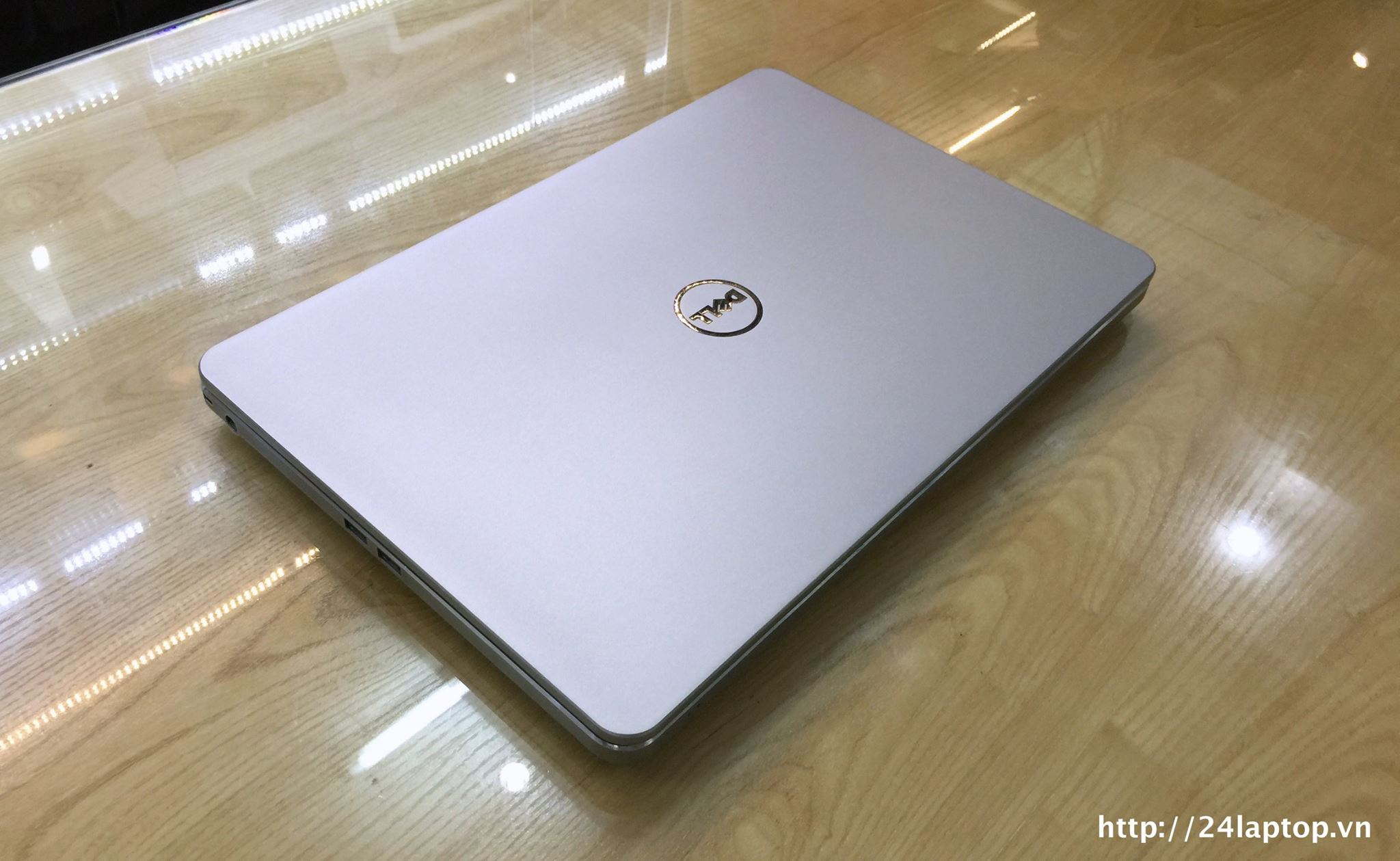 Laptop series 7000 Dell Inspiron 7537_2.jpg