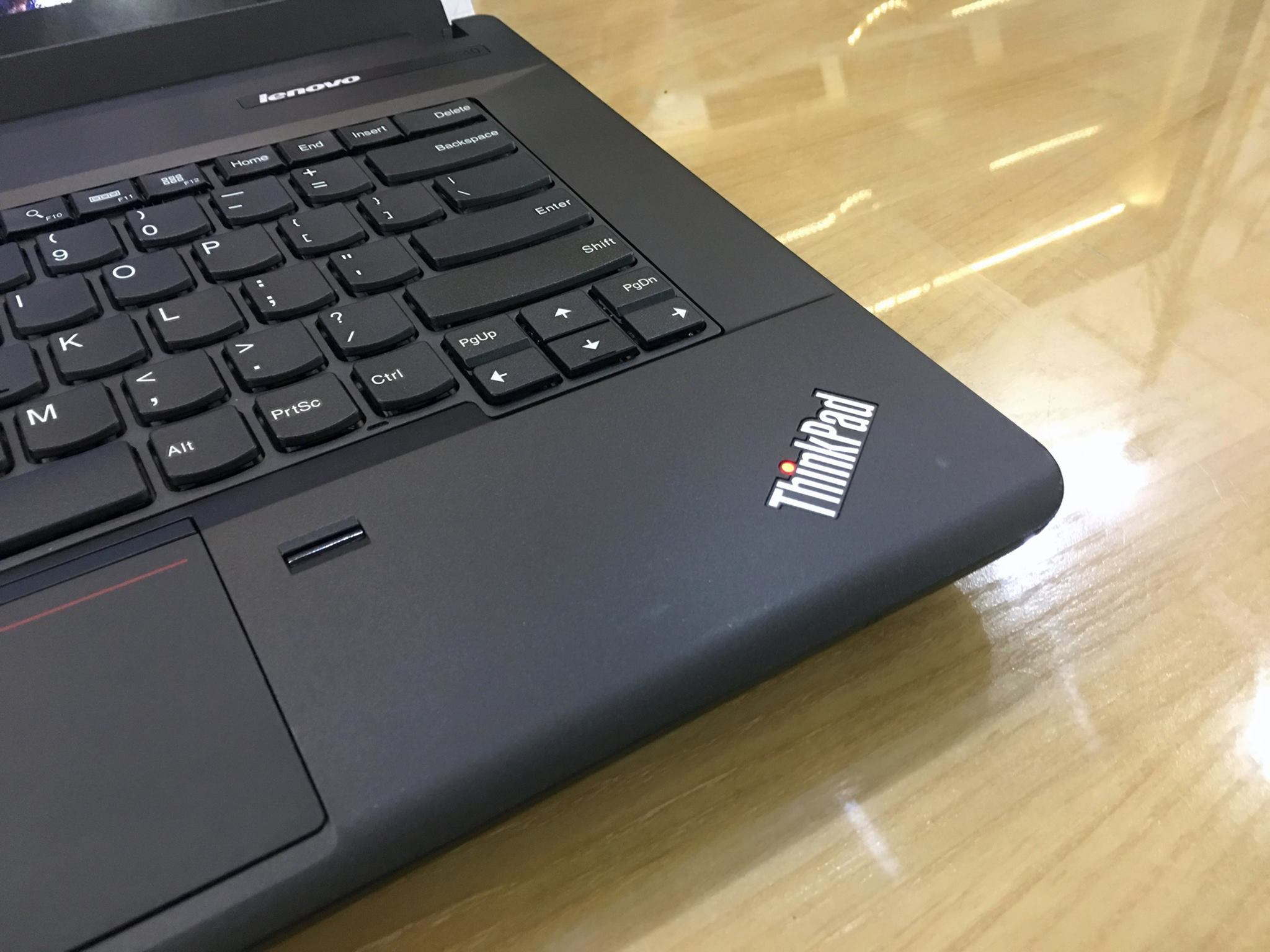 Lenovo Thinkpad E440-8.jpg